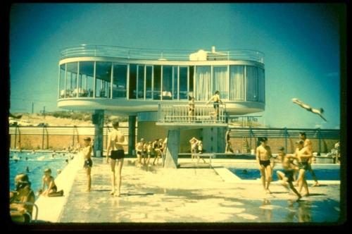 heide james-birrell-view-of-the-elevated-restaurant-centenary-pool-brisbane